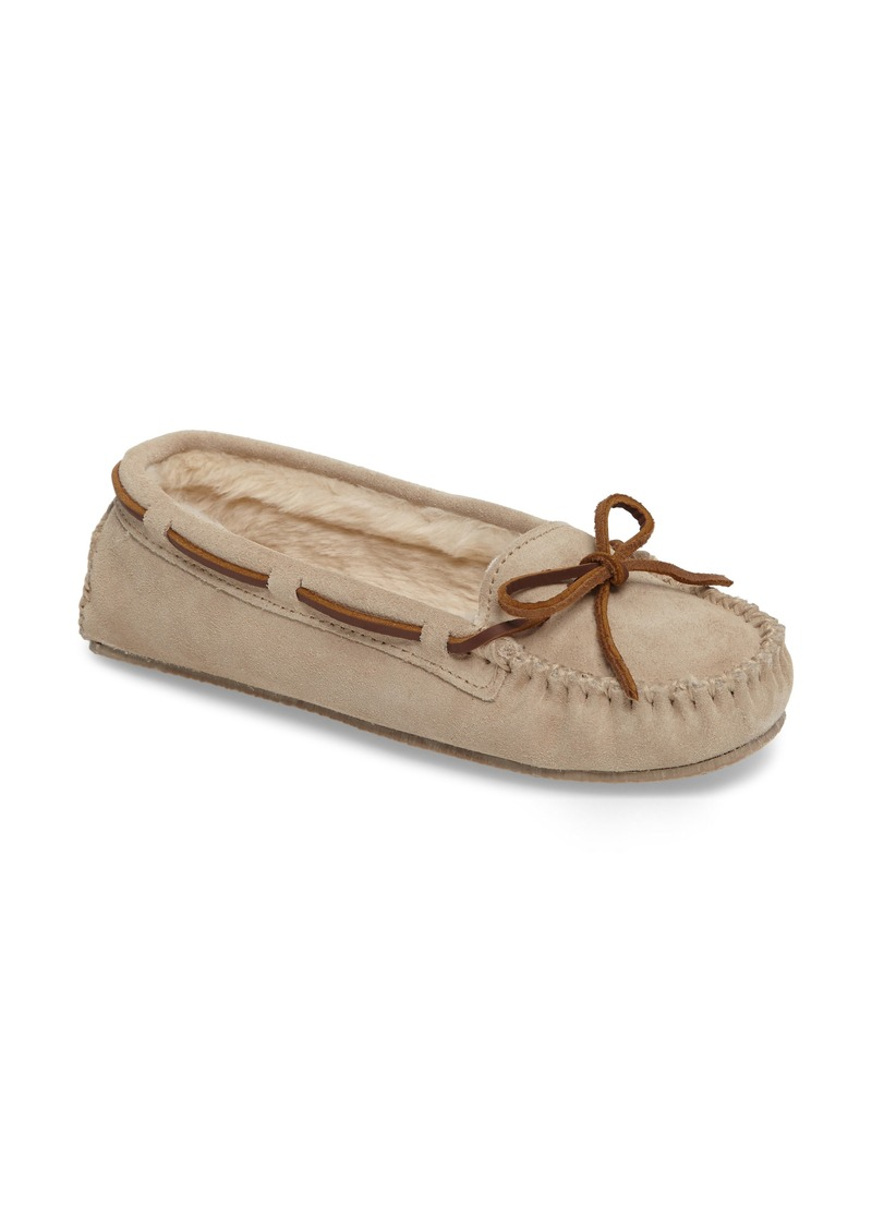 ciougrinso.cf: minnetonka moccasins - Free Shipping by Amazon. From The Community. authorized retailer of Minnetonka Moccasin products, we cannot Minnetonka Women's Kilty Suede Softsole Moccasin. by Minnetonka. $ - $ $ 31 $ 49 85 Prime. FREE Shipping .