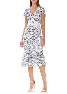 ML Monique Lhuillier Flounce-Hem Floral Lace Cocktail Dress