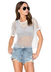 MONROW Sporty Mesh Tee with Sports Bra in White. - size L (also in M,XS)