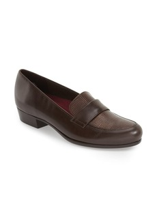 Munro 'Kiera' Loafer (Women)