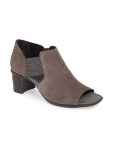 Munro Sable Sandal (Women)