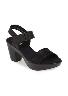 Munro Willa Platform Sandal (Women)
