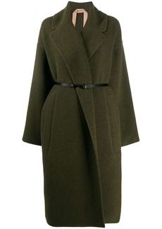 Nº21 wide-lapel belted coat