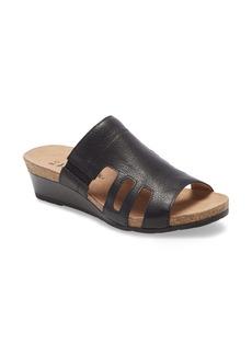 Naot Carriage Slide Sandal (Women)