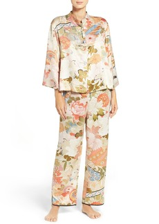 Natori Yuzen Pajamas