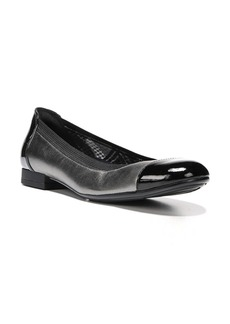 Naturalizer 'Therese' Cap Toe Flat (Women)