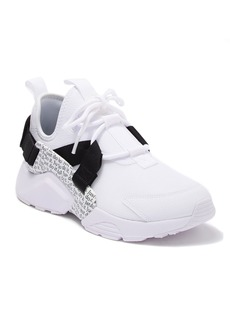 Nike Air Huarache City Low Sneaker