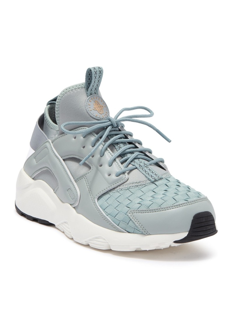 Nike Air Huarache Run Ultra SE Sneaker
