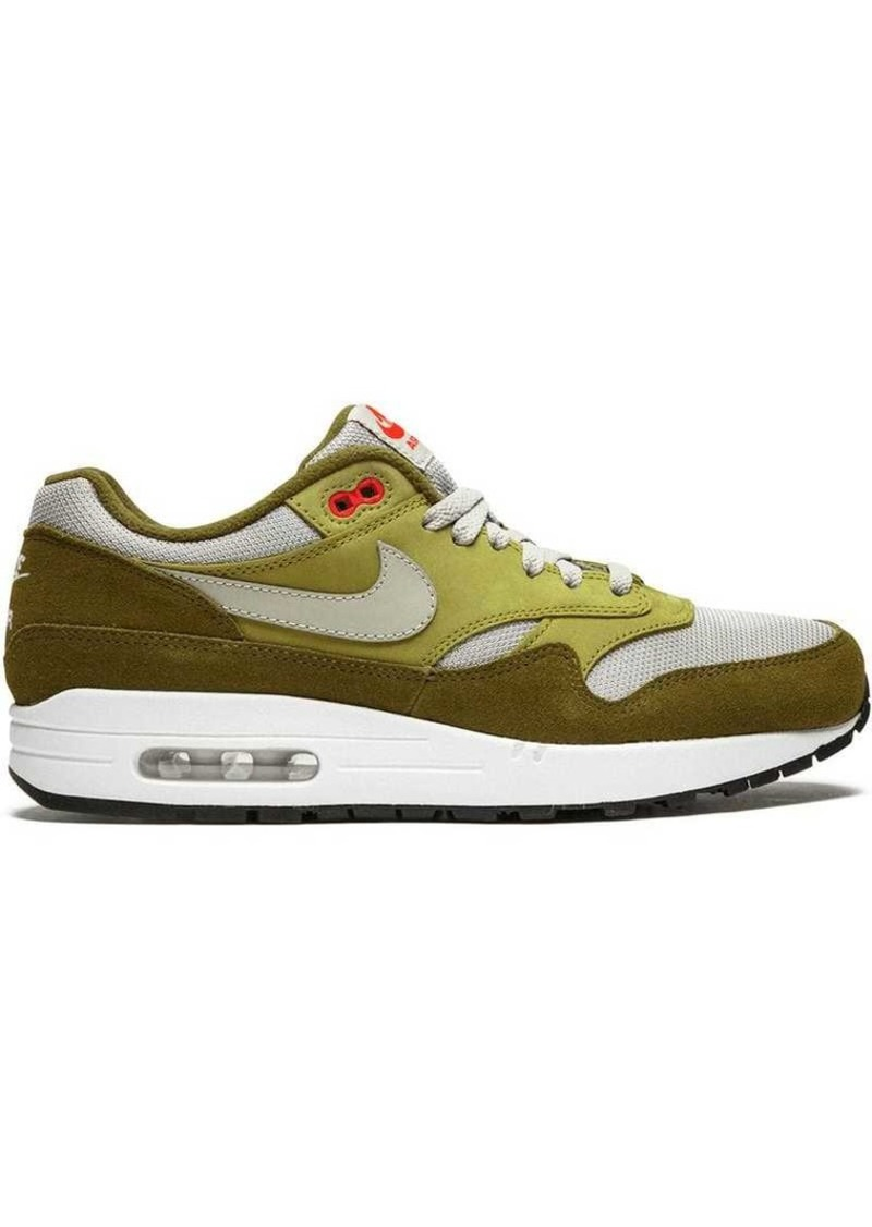 on sale aeecf b62a9 Air Max 1 Premium Retro sneakers. Nike