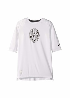 Nike Football Graphic T-Shirt (Big Kids)