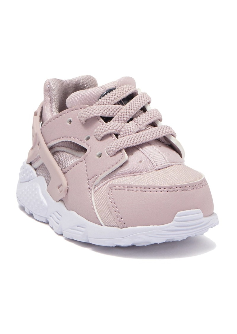 Nike Huarache Run Sneaker (Toddler)