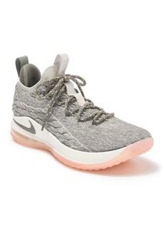 Nike Lebron XV Low Sneaker