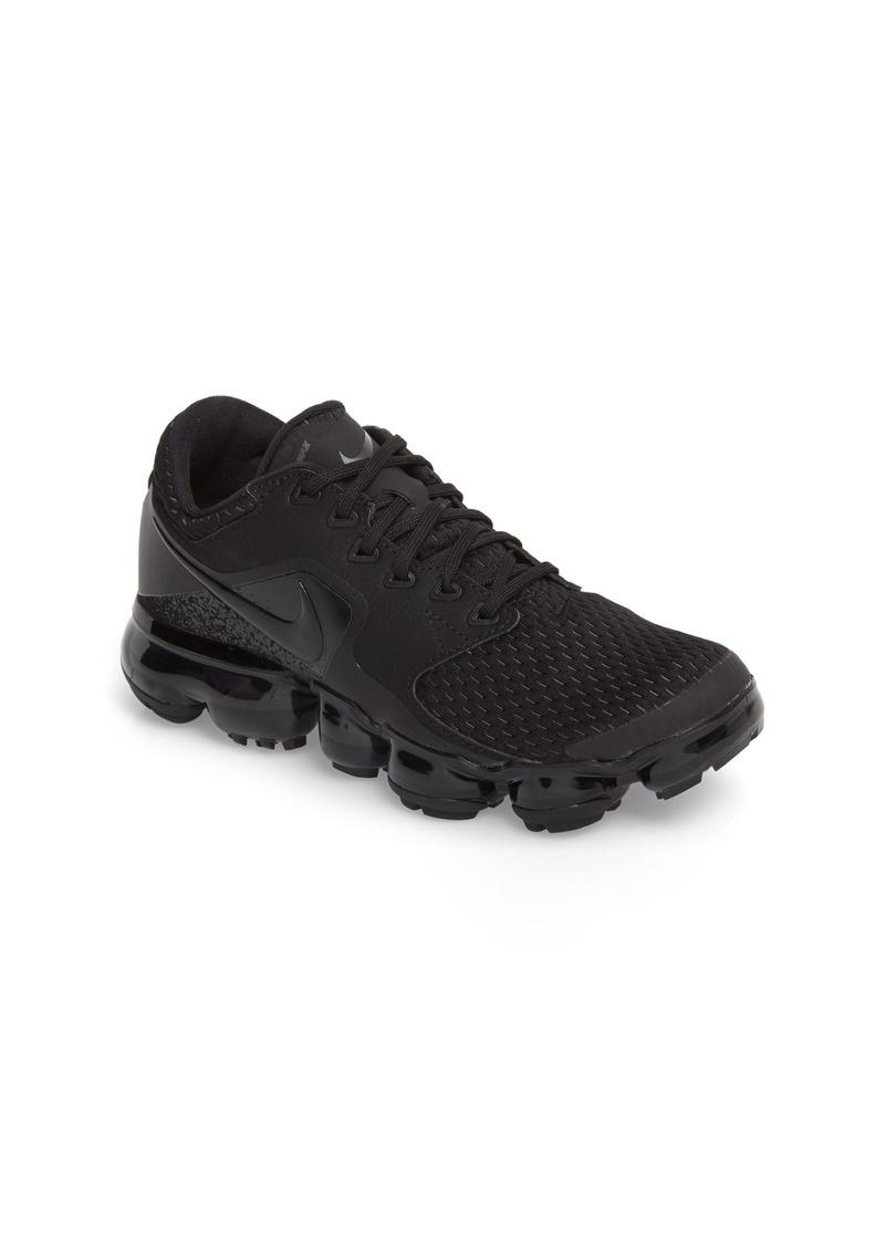 cf2158983b1 Nike Nike Air VaporMax GS Running Shoe (Big Kid)