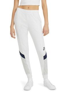 Nike Sportswear Heritage Jogger Sweatpants