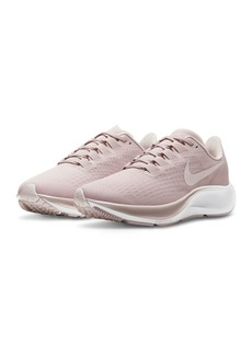 Nike Women's Air Zoom Pegasus 37 Low Top Sneakers