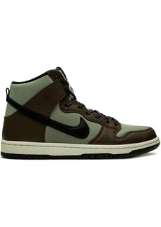 Nike SB Dunk High Pro high-top sneakers