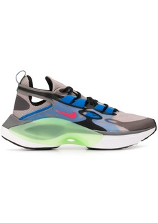 Nike Signal D/MS/X low-top sneakers