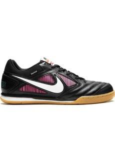 Nike x Supreme SB Gato sneakers
