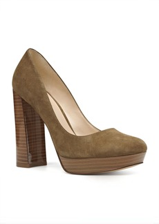 Nine West Delay Platform Pumps