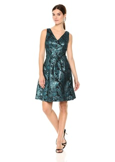 Nine West Women's Slvless Box Pleat Dress With Double V Neckline-Metal Jacquard