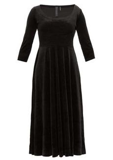 Norma Kamali Scoop-neck velvet midi dress