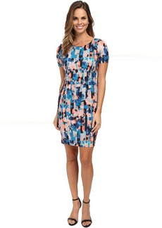 Abby Vivid Pillar Shift Dress