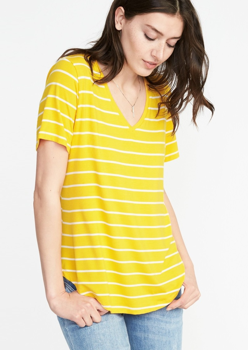 e646e590100801 On Sale today! Old Navy Luxe Curved-Hem V-Neck Tee for Women