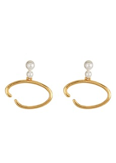 Oscar de la Renta O Logo Imitation Pearl Earrings