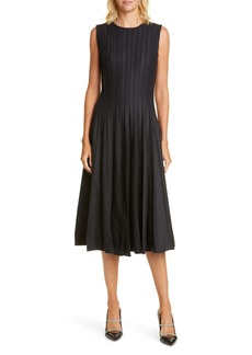 Oscar de la Renta Pleated Stretch Wool Flannel Midi Dress