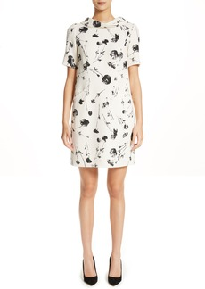 Oscar de la Renta Tossed Poppies Print Crepe Shift Dress