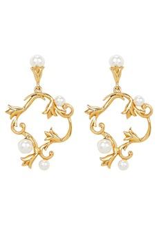 Oscar de la Renta Pearl Tulip Stud Earrings