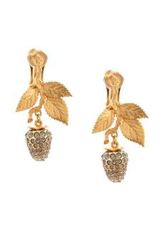 Oscar de la Renta Runway berry pearl earring