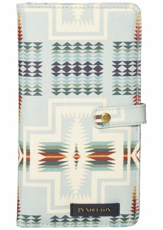 Pendleton Women's Canopy Canvas Passport Case