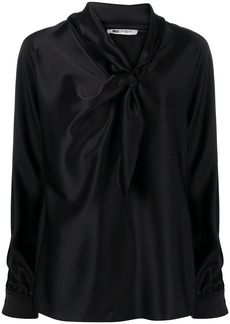 Ports 1961 bow-fastening satin blouse