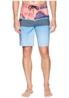 "Quiksilver Highline Lava Division 20"" Boardshorts"