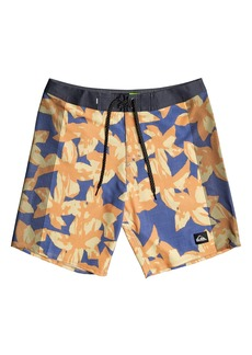 Quiksilver Highlite Arch Board Shorts