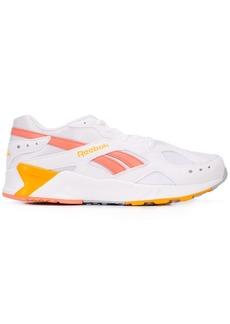 Reebok contrast logo sneakers