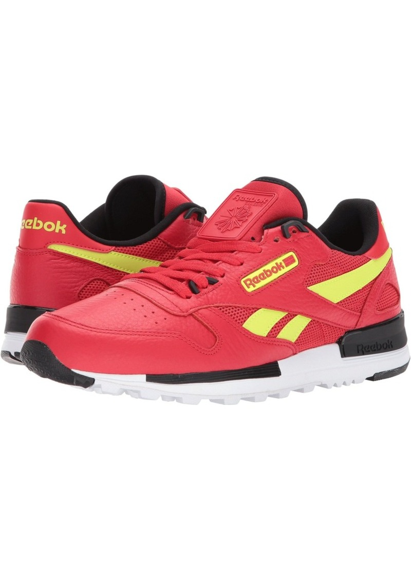 best sneakers 8a570 010fc Classic Leather Leather 2.0. Reebok