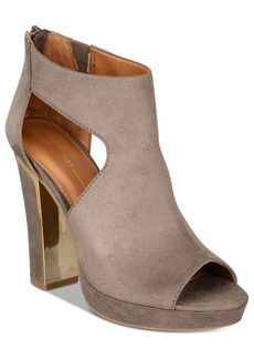 Report Lilia Shooties Women's Shoes