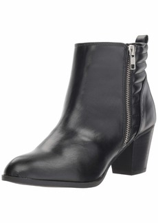 Report Women's CAPSIE Ankle Boot   M US