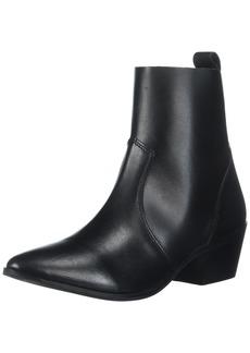 Report Women's Iesha Ankle Bootie   M US