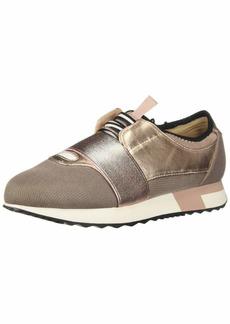 Report Women's Quincy Sneaker   M US