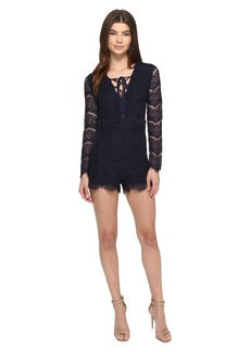 ROMEO & JULIET COUTURE Long Sleeve Lace-Up All Over Romper
