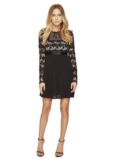 ROMEO & JULIET COUTURE Short Sleeve Mock Neck Lace Dress