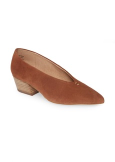 Seychelles Compelling Pointed Toe Pump (Women)