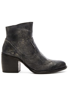 Seychelles State of the Art Booties in Charcoal. - size 7.5 (also in 8,9.5)