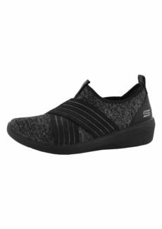 Skechers Women's Arya-Cross-FIRE Sneaker BBK  M US