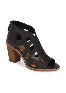 Sofft Söfft Pazia Block Heel Sandal (Women)