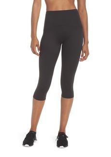 SPANX® Active Knee-Length Leggings