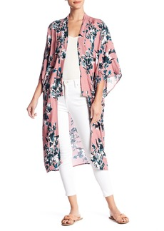 Splendid Floral Patterned Kimono